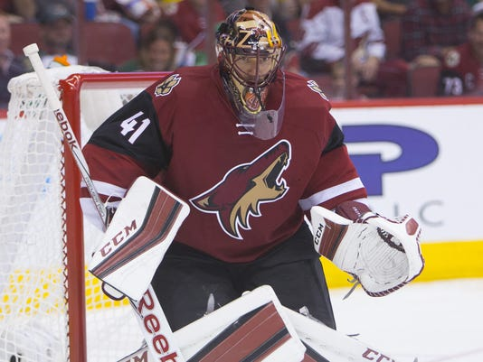 Coyotes goalie Mike Smith