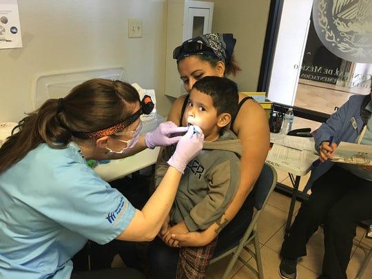 Es importante que los niños vayan regularmente al dentista.