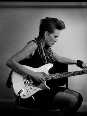 Mia Dyson is an award-winning guitarist and singer/songwriter based in Los Angeles.