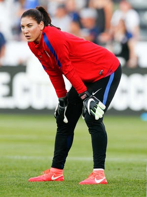 J Prosecutors in Washington state have dropped domestic violence charges against former U.S. national team star goalkeeper Hope Solo.