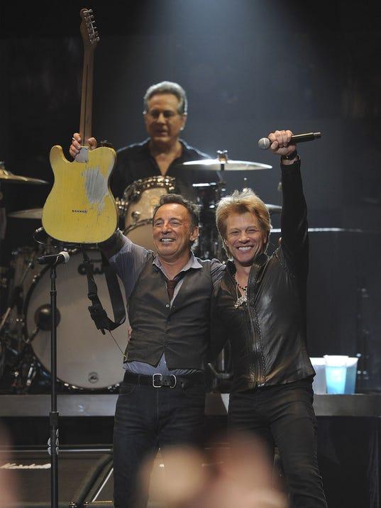 Springsteen_Bon_Jovi_031715