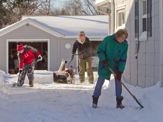 4th gen shoveling snow_02.jpg