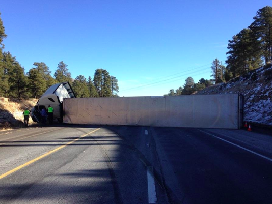 I-40 in Flagstaff reopens after overturned semi blocked lanes
