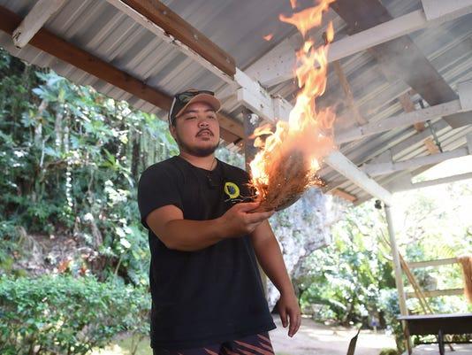 636570999785849146-Fire-making-09.jpg