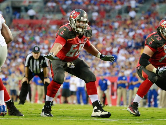Tampa Bay Buccaneers lineman Joe Hawley blocks against