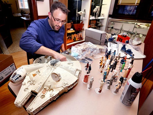 EXCHANGE-STAR WARS TOY COLLECTOR