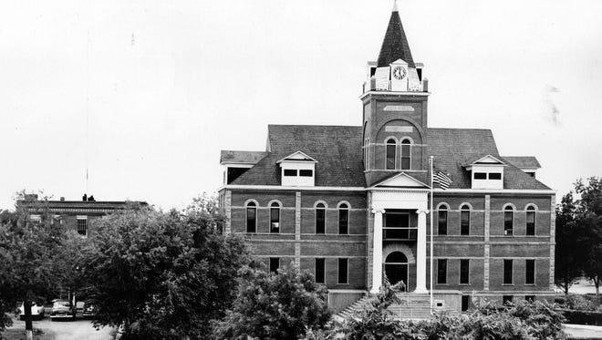 One of the oldest courthouses in New Mexico, the Luna County Courthouse is noted for its long and efficient operation.