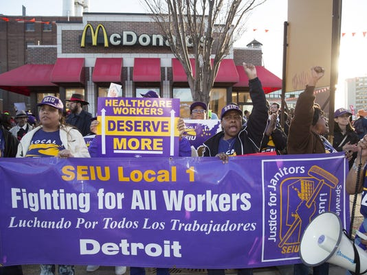 Detroiters Rally for $15 Wage