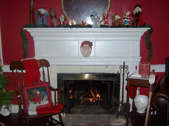 Enjoy the decorations of the historic Levine Home at the Vienna Luminarias House Tour.