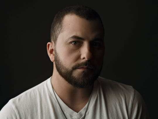 Country bro Tyler Farr will perform as part of the