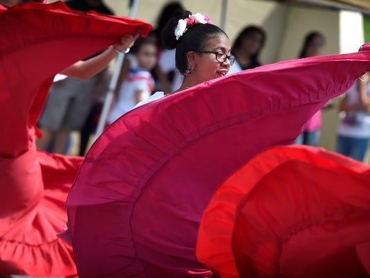 ldn-mkd-082716-latina festival-