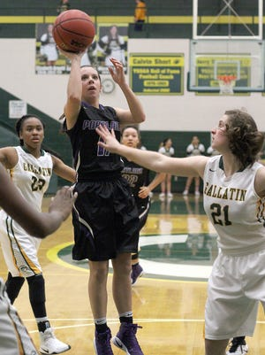 Portland's Rachel Jennings scored 15 points in the Lady Panthers' 49-34 victory at Gallatin on Friday.
