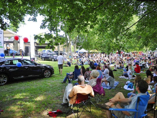 Catch a free concert at Musicians Corner in Centennial Park.