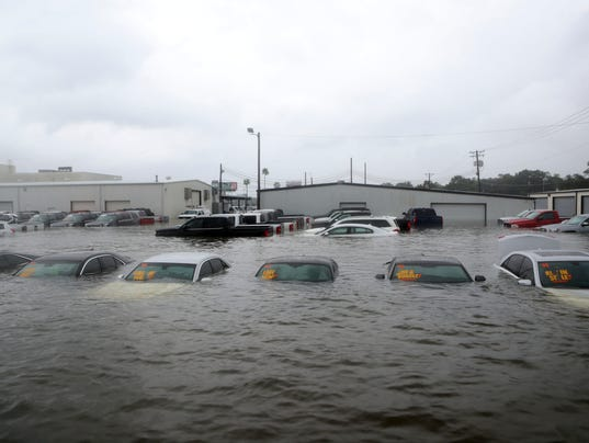 Hurricane Harvey Weakens U S Auto Sales Until Cars Can Be Replaced