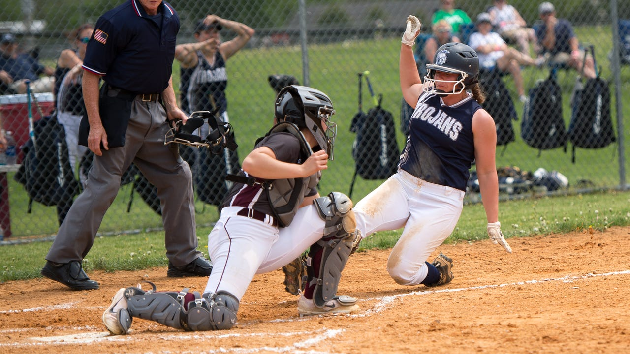 Chambersburg's Alexis Estep catches the ball to tag