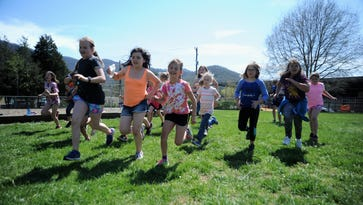 'Fit Girls' run for W.D. Williams at first War Pony 5k