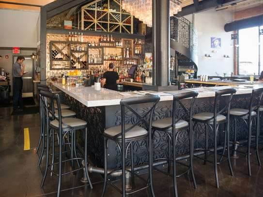 Nosh At 47 Russell Street Mixes Rustic And Upscale
