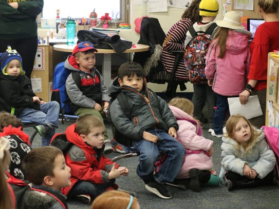 Preschool students at Bataan Primary connect with Skype