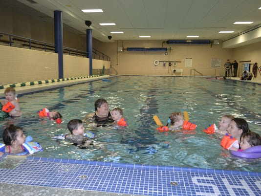 635930385401931599-Kids-in-pool.jpg