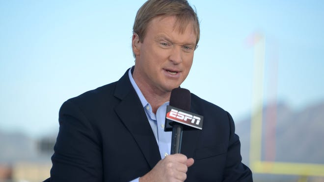 Jan 23, 2015; Scottsdale, AZ, USA; ESPN broadcaster and Tampa Bay Buccaneers and Oakland Raiders former coach Jon Gruden at Team Irvin practice at Scottsdale Community College in advance of the 2015 Pro Bowl. Mandatory Credit: Kirby Lee-USA TODAY Sports usp ORG XMIT: USATSI-219386 [Via MerlinFTP Drop]