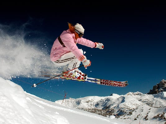 AP TRAVEL TRIP SKIING ON A BUDGET A FILE USA WY