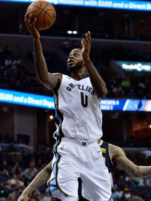 Memphis Grizzlies forward JaMychal Green (0) shoots the ball in the first half of an NBA basketball game against the Denver Nuggets Saturday, March 17, 2018, in Memphis, Tenn. (AP Photo/Brandon Dill)
