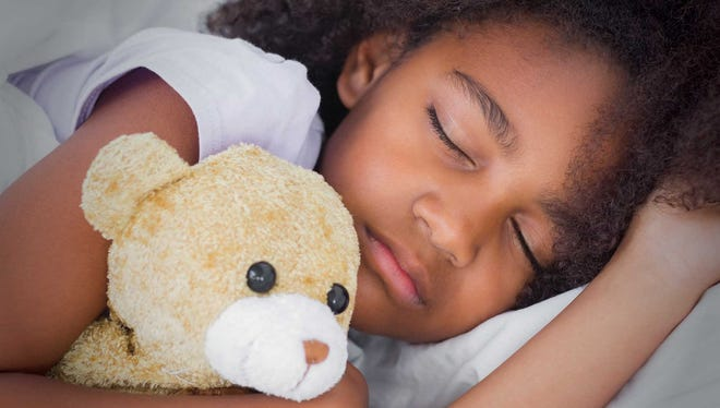 The American Academy of Pediatrics recommends that preschool children sleep 10 to 13 hours (including naps) per day.