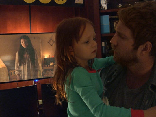 Ryan (Chris J. Murray) and his family (including daughter