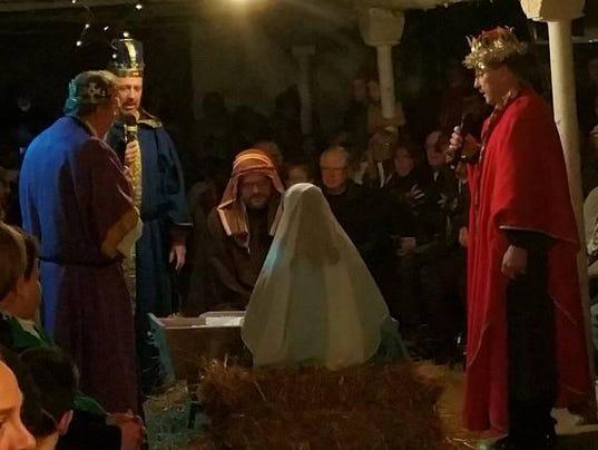 636473864539114080-AAP-AS-1203-Christmas-nativity.jpg