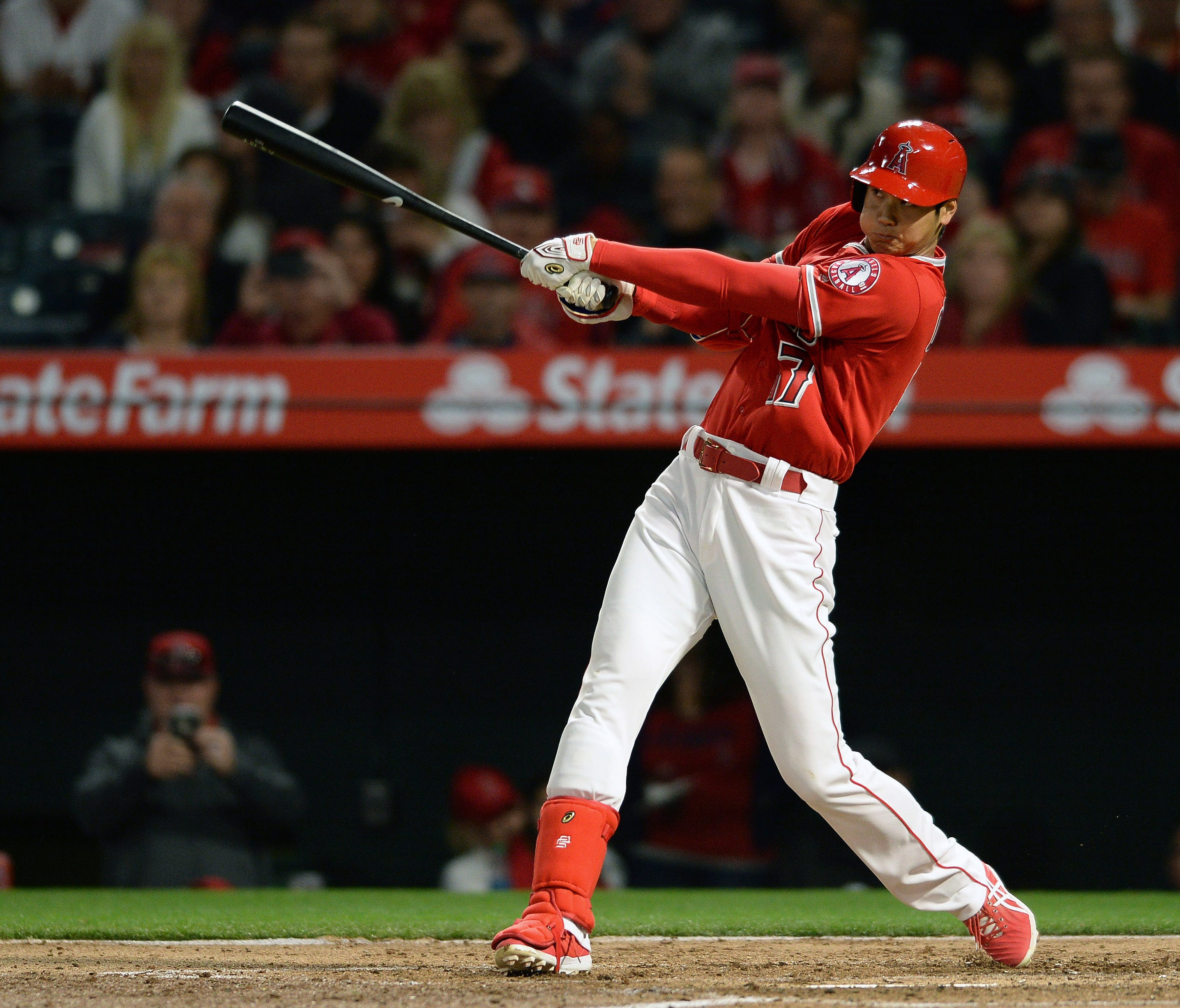 April 6: For the third consecutive game, Shohei Ohtani blasts a home run, hitting a solo shot in his first at-bat against the Oakland's Daniel Gossett.