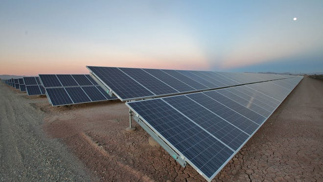 Imperial Irrigation District will hold public forums on a potential successor net energy metering program next month.