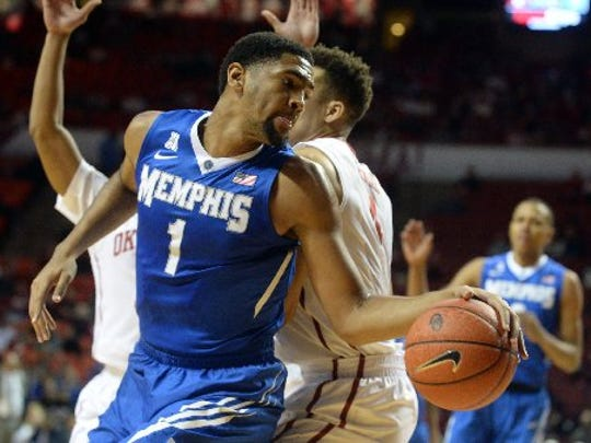 Dec 17, 2016: Memphis Tigers guard Dedric Lawson (1) drives to the basket behind Oklahoma Sooners center Jamuni McNeace (4) during the first half at Lloyd Noble Center.