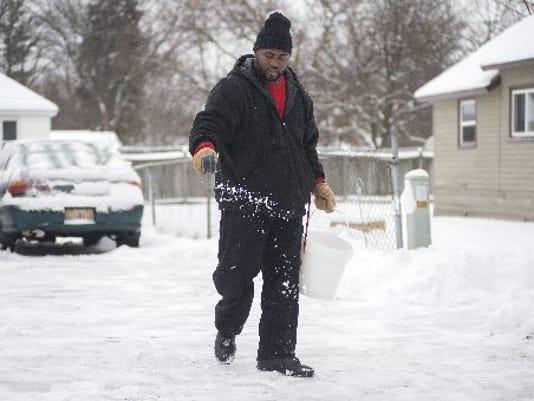 636215479050154652-AP-Winter-Weather-Michigan-M.jpg