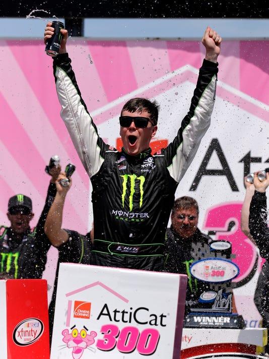635705018549606842-AP-NASCAR-Joliet-Auto-Racing