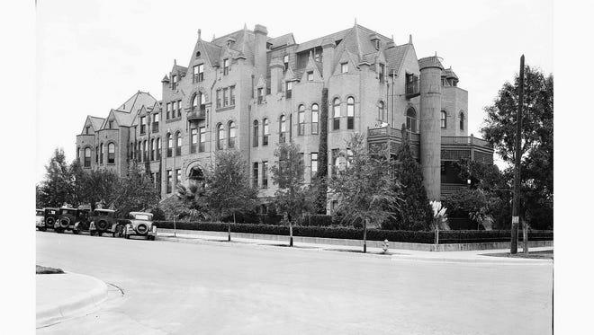 Hotel Dieu, 1927.