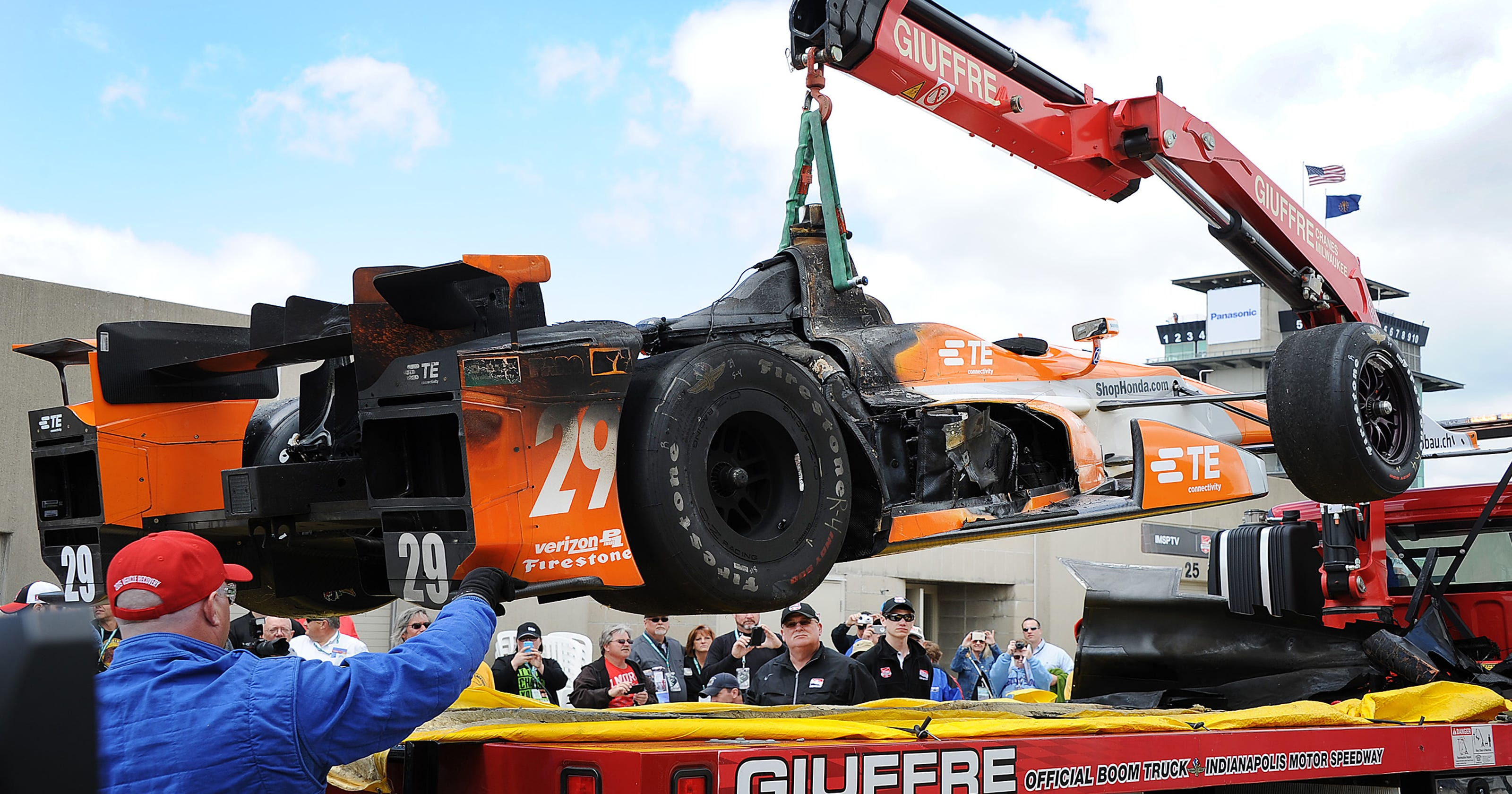 De Silvestro's Indy car catches fire — again