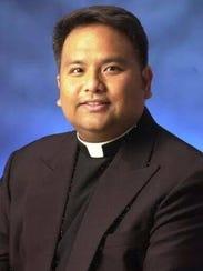 Rev. Mike Crisostomo, Toto
