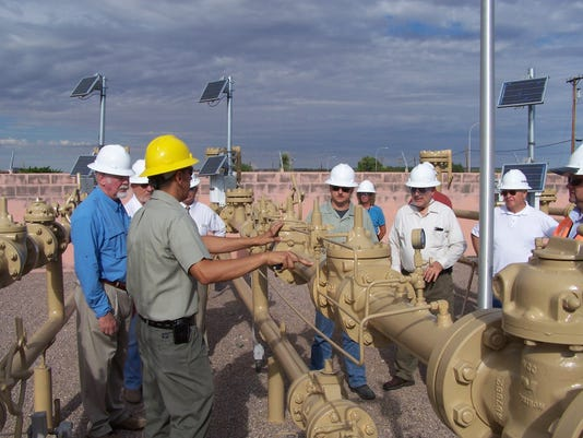 636343630734522162-PHOTO-2-GAS-OPERATIONS-TOUR.JPG
