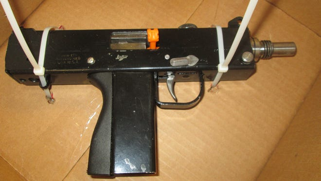 Roseville police said this Uzi-style submachine gun pistol was recovered today following an attempted carjacking.