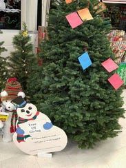 Silverton's Tree of Giving collects clothing and toys