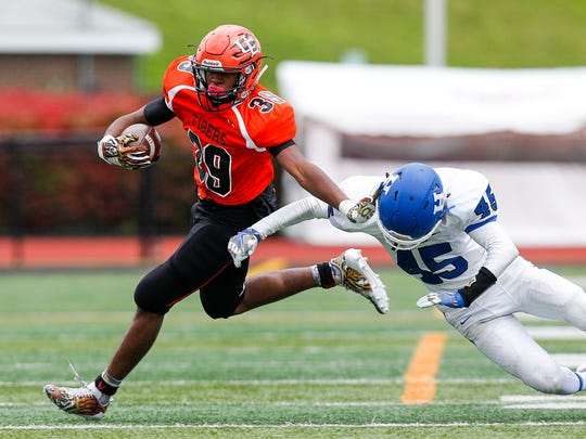 Union-Endicott's Darrius Billingsley gets past  Horseheads'