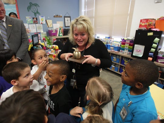 Kelly Mains from Tortuga Preserve Elementary is a 2016 Golden Apple winner.