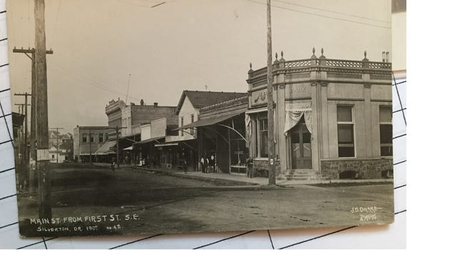 A 1907 view of Main Street in Silverton.