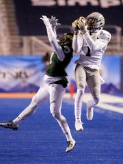 Idaho wide receiver Alfonso Onunwor (1) catches the