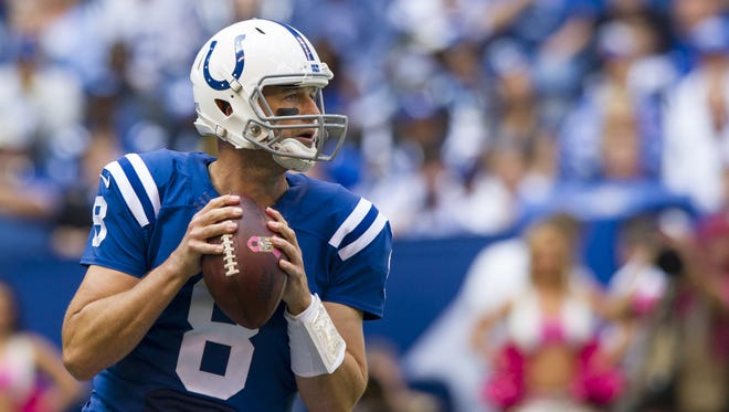 Indianapolis Colts quarterback Matt Hasselbeck (8) looks upfield for an open receiver during first half action of an NFL football game at Lucas Oil Sunday, Oct. 4, 2015.