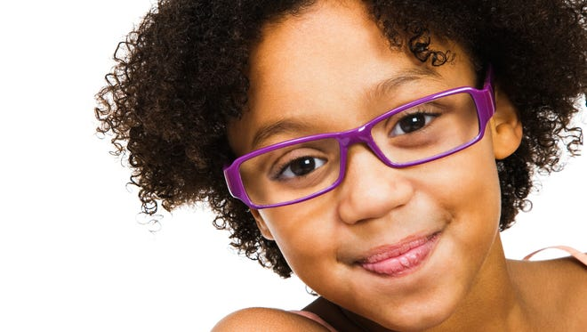 Children who choose their glasses wear their glasses.