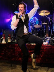 Scott Weiland and The Wildabouts play Water Street Friday.