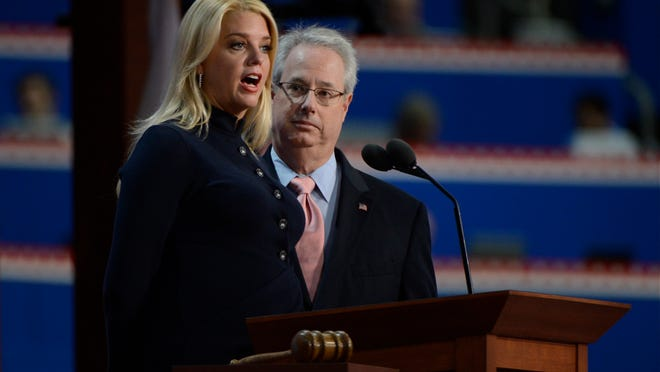 8/29/12 8:29:27 PM -- Tampa, FL, U.S.A  -- RNC Convention --  Tuesday, Day3-- Republican National Convention--   Pam Bondi (FL) Attorney General and Sam Olens, Attny General, (GA)   Photo by Robert Deutsch, USA TODAY staff  ORG XMIT: RD 42264 RNC  8/29/2012  (Via OlyDrop)