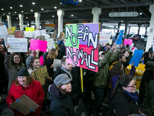 News: Refugees Protest
