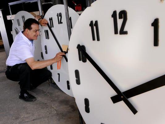 haslett_clocks_2